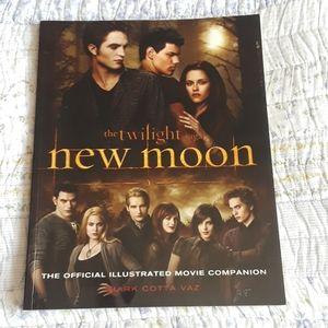 NWOT Twilight Saga Official Movie Companion